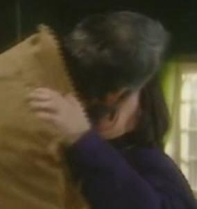 File:Owen and Geraldine kiss.jpg