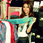 VicScarf