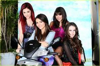 Victorious-girls-cast-shoot-02