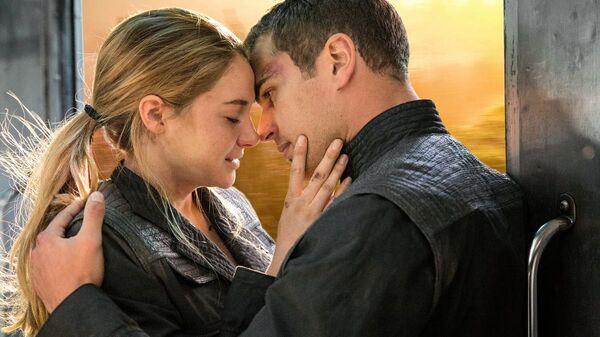 Divergent - Fangirl FAQ Romance