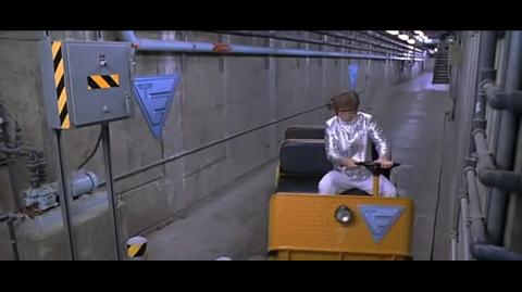 Austin Powers International Man of Mystery - Can't make a turn