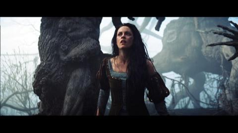 Snow White and the Huntsman (2012) - Featurette Setting The Stage