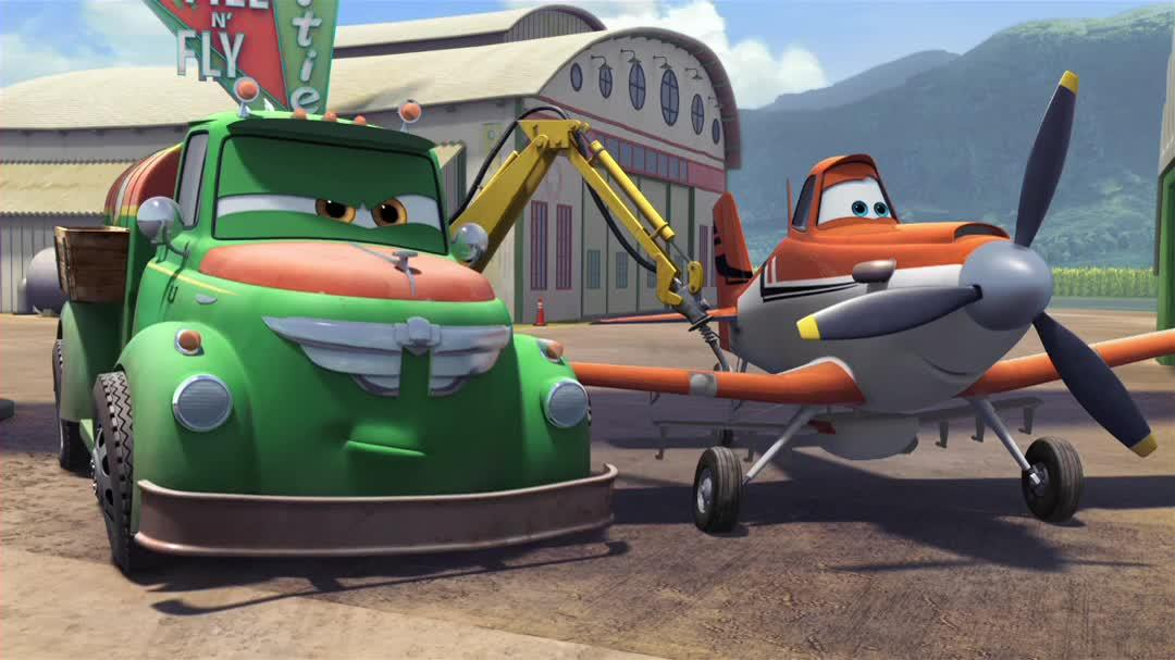 "Planes Bonus Clip 5 - ""Meet The Racers Dusty"""