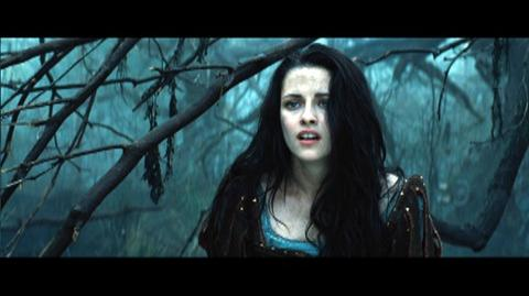 Snow White and the Huntsman (2012) - Clip Snow White Asks The Huntsamsn For Help In The Dark Forest