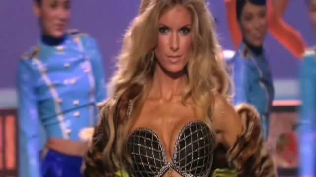 Victoria's Secret Fashion Show TV Clip - Behind the Curtain at the Fashion Show