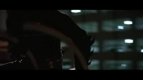 Batman Begins - Gordon chasing batman