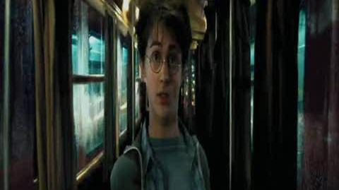 Harry Potter and the Prisoner of Azkaban - Going between the buses