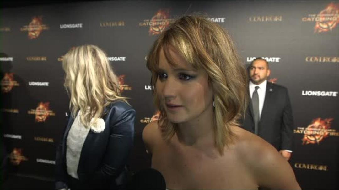 The Hunger Games Catching Fire - Jennifer Lawrence Red Carpet