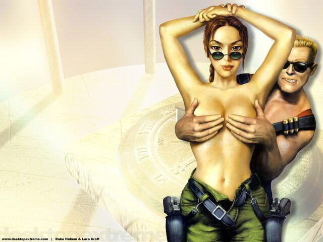 File:Lara Croft and Duke Nukem 33200544415PM290.jpg