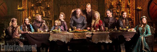 File:Vikings Season 4 Cast.jpeg