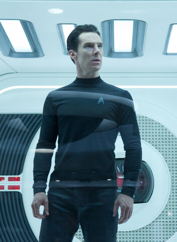 File:Khan (Star Trek Into Darkness).jpg