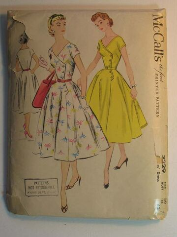 File:Butterick 3229.jpg