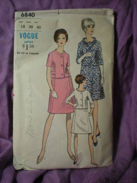 Vogue 6840