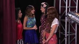 Las Chicas cantan Código Amistad
