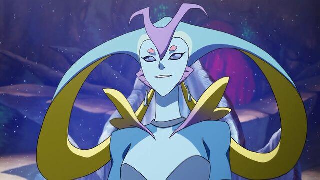 File:Queen Luxia (S02E02).jpg