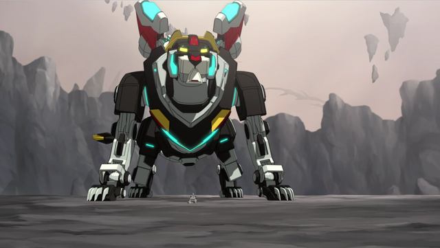 File:S2E01.250. Black Lion standing proud over hir Paladin.png