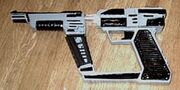 Pistolside1a