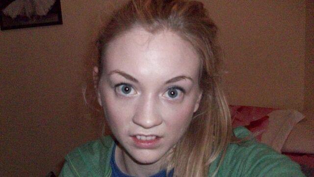 File:Emily Kid's teeth.jpg