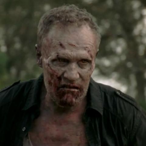 File:Merle zombie 3x15 (2).jpg