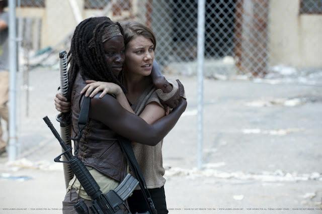 File:Michonne Maggie.jpg