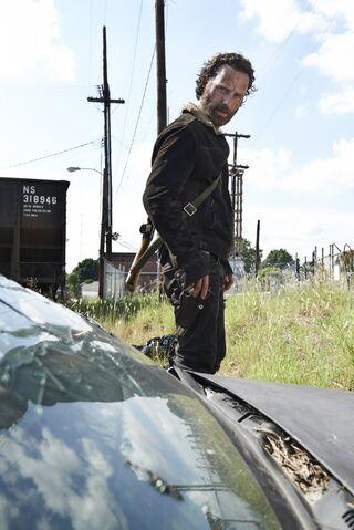 File:The-Walking-Dead-6Set2014-5.jpg