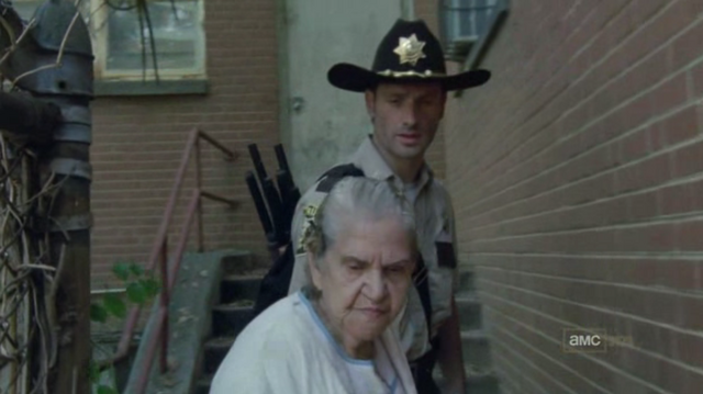 File:Walking dead season 1 episode 4 vatos (19).png