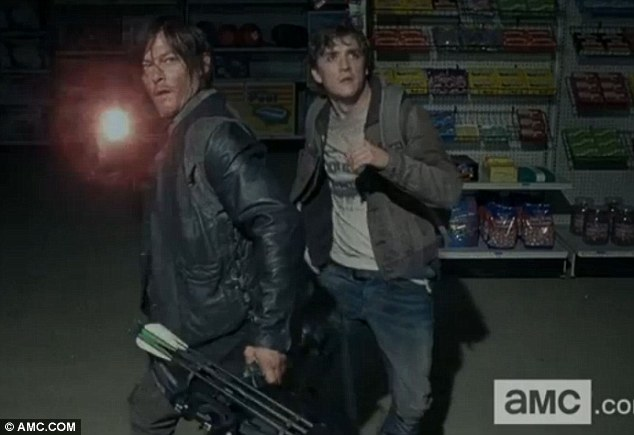 File:4x01 Daryl and Zach.jpg