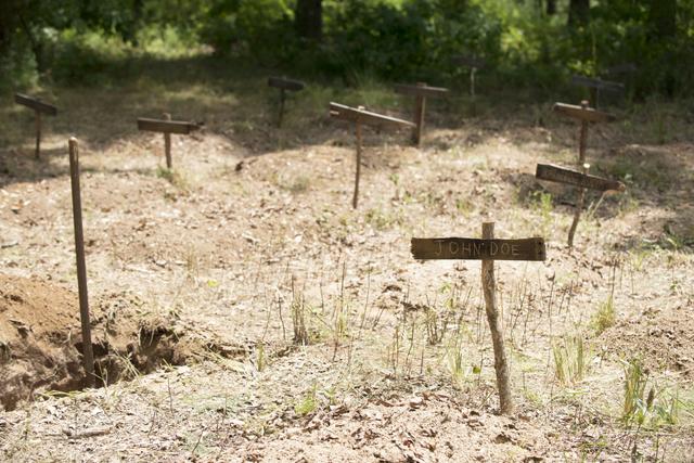 File:AMC 604 Graves.png