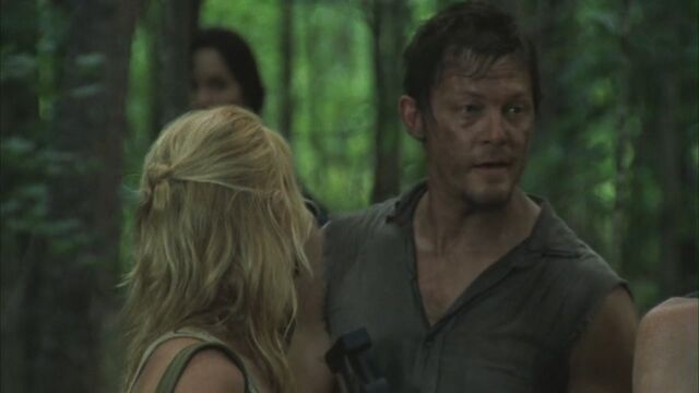 File:Andrea and Daryl 2x02.jpg