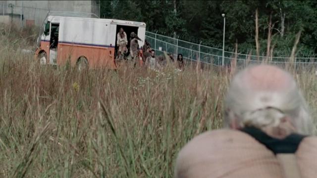 File:Hershel VS zombie 3x10.png