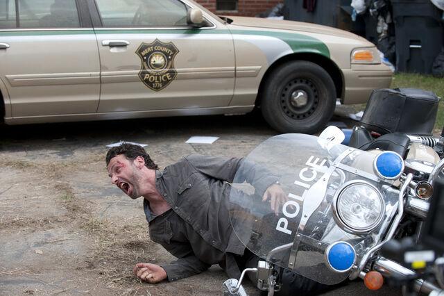 File:Episode-10-rick-motorcycle.jpg