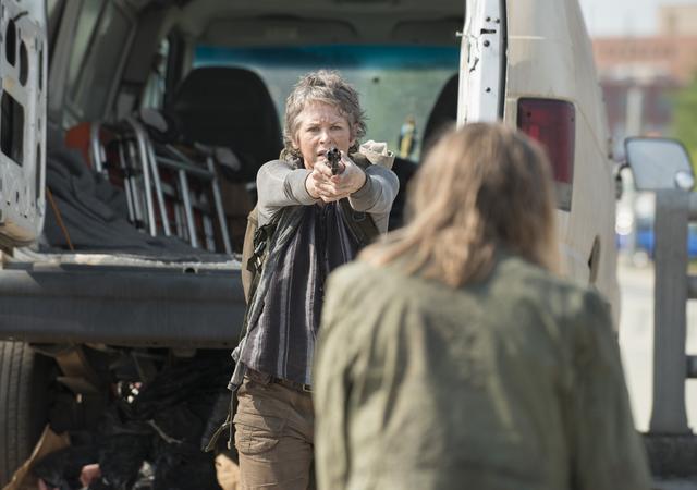 File:AMC 506 Carol Shoots Walker.png