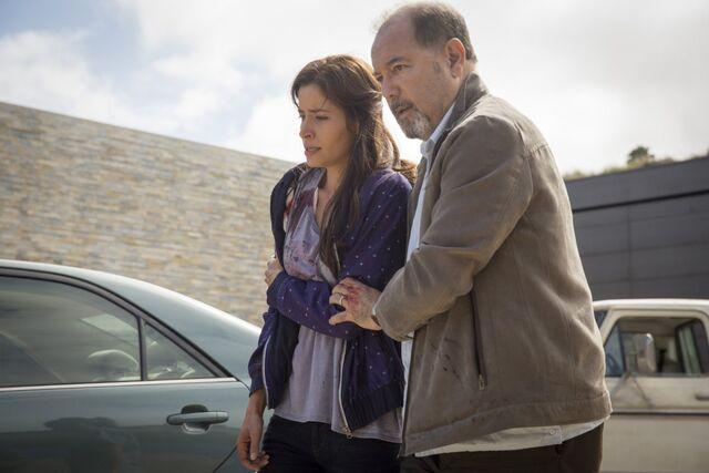 File:Fear-the-Walking-Dead-Ofelia and Daniel.jpg