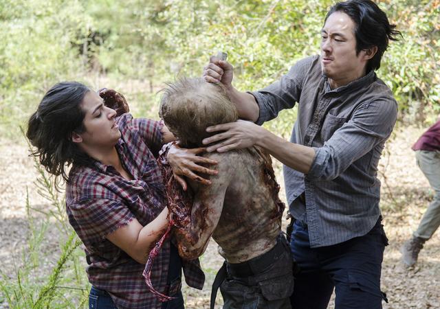 File:AMC 512 Glenn Saves Tara.png