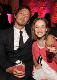 File:Nornam Reedus and Madison Lintz.jpg