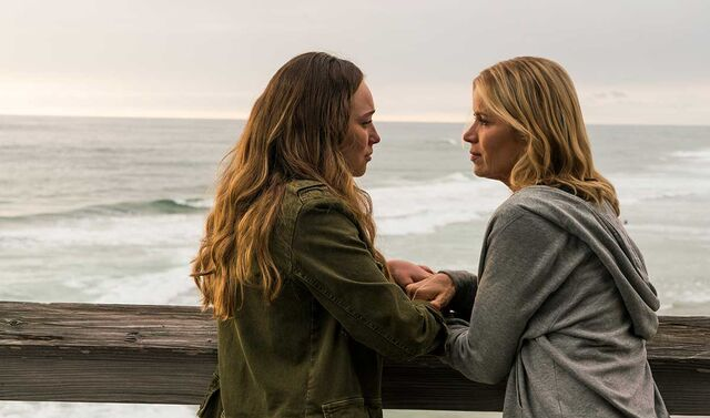 File:Alicia and Maddy ftwd.jpg