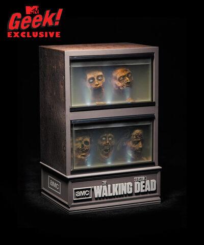 File:Walkingdead season3 dvd mtvgeek11.jpeg