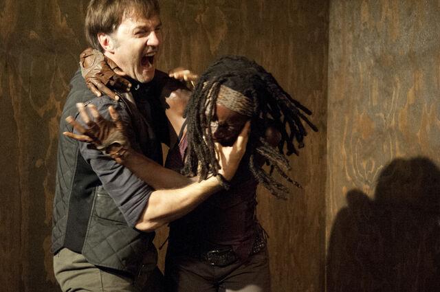 File:Michonne vs Philip.jpg