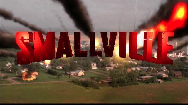 File:Smallville credits.jpg