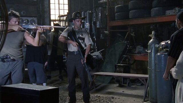 File:Daryl unknown pistol front waistband2.jpg