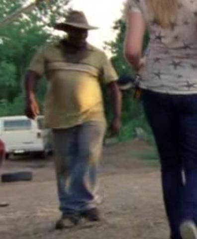 File:Mitch walks by (Vatos).png