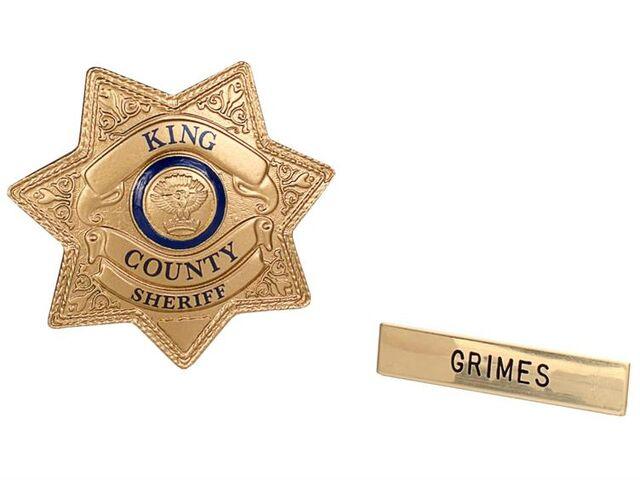File:Sheriff Grimes Badge Prop Replica.jpg