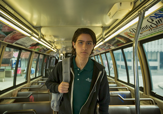 File:FTWD 102 Christopher Bus.png