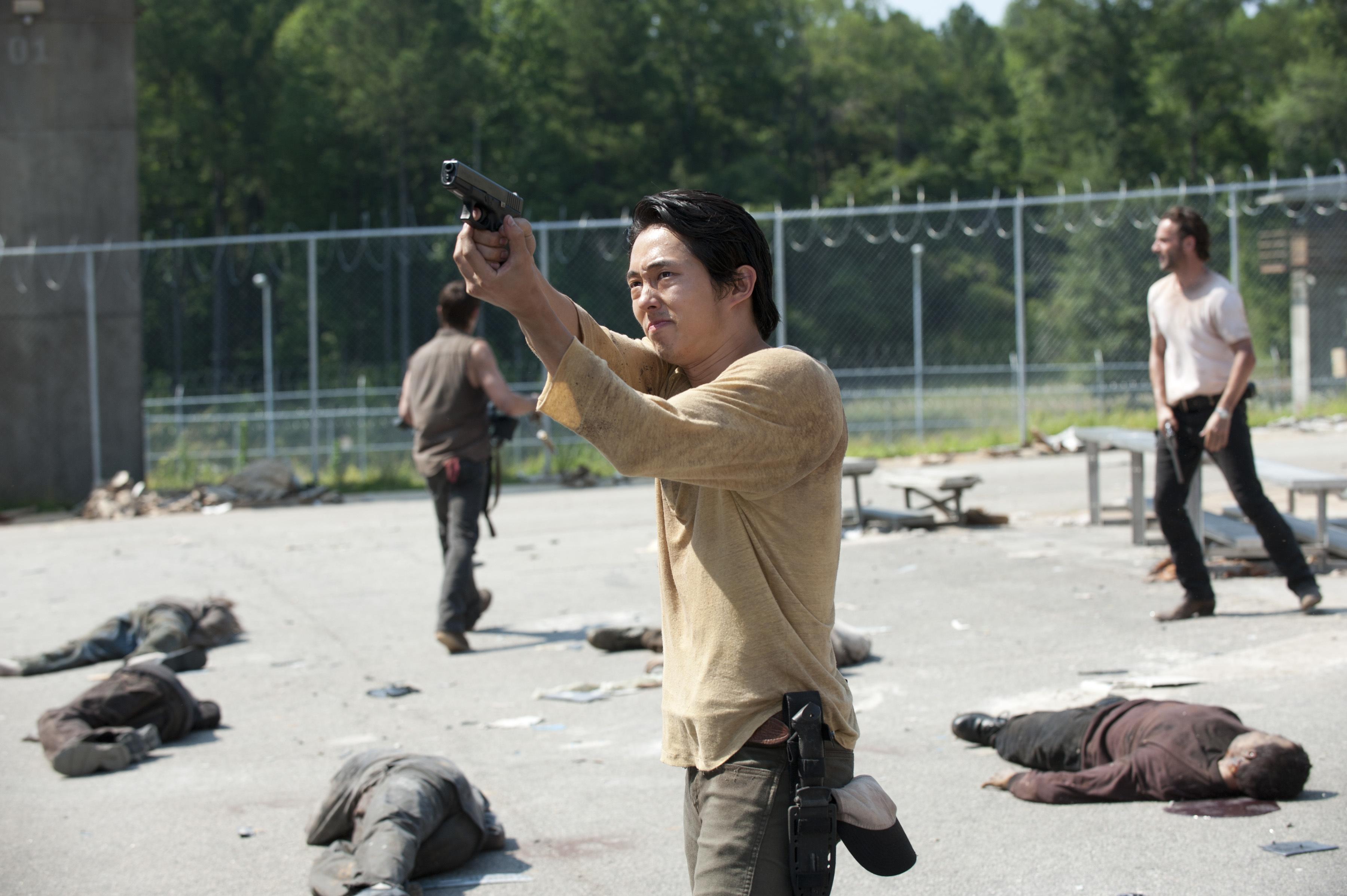 File:Ep 4 Glenn shooting.jpg