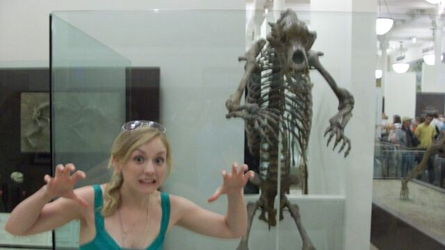 File:Emily cute scare pose.jpg
