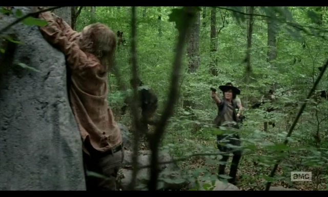 File:5x02 About to Shoot the Walker.png