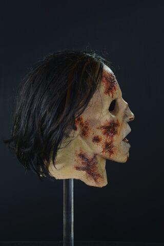 File:Suit Walker Zombie Mask 3.jpg