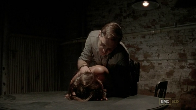 File:The Governor and Maggie 3x07.png