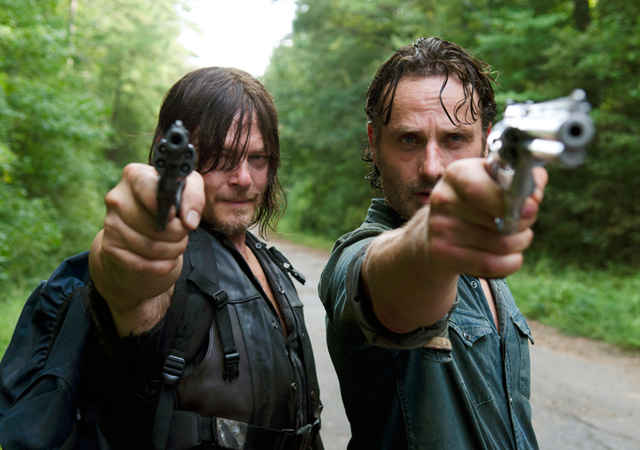 File:AMC 610 Rick Daryl Aiming.png