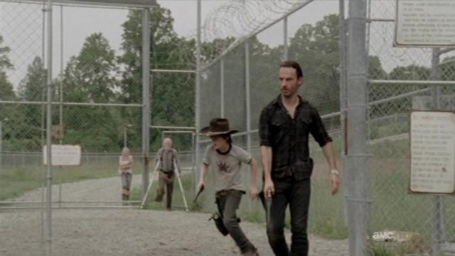 File:Beth on the back beside Hershel.JPG